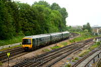 2O38 Reading - Redhill | Approaching Guildford | 166206